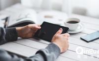 App运营推广的三种渠道:线上、线下和新媒体。